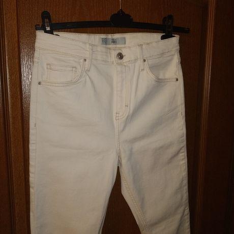 Белые джинсы Topshop