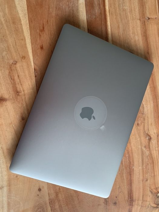 Apple MacBook Pro 15'' 2.8GHz (i7) 16GB 256GB SSD Radeon Pro 560 4GB Warszawa - image 1