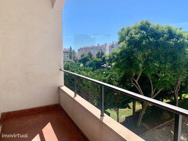Apartamento T2   Bairro do Rosário