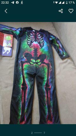 Новый костюм на Хеллоуин 5-6лет в подарок книга.