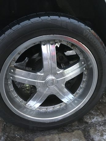 Mercedes Benz G- klass диски R22 с резиной 305/40 R22