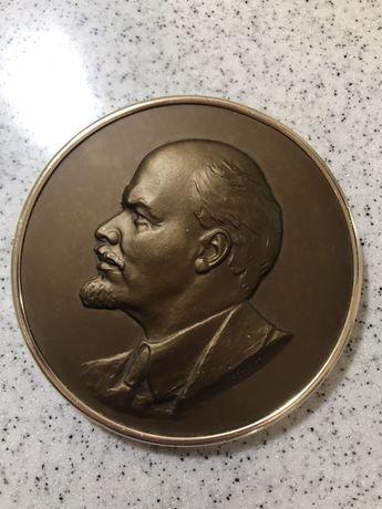 Барельеф, портрет Ленин СССР