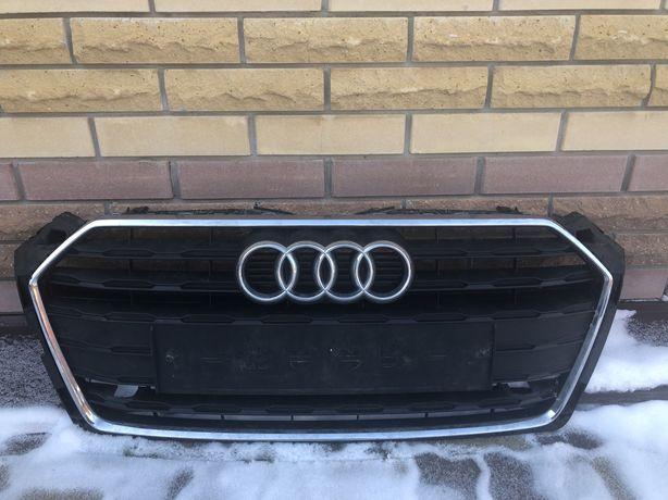 Решетка радиатора  Audi A5 Sportback