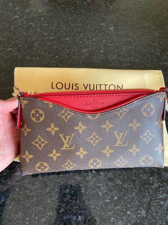Carteira Pochete Louis Vuitton em Couro