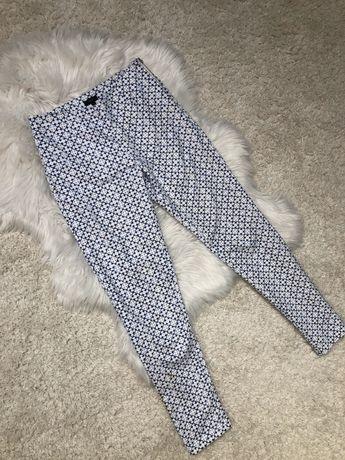 Białe eleganckie spodnie w granatowy wzór Solar r.34/XS eleganckie