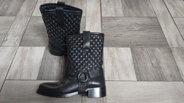Кожаные сапожки Valentino