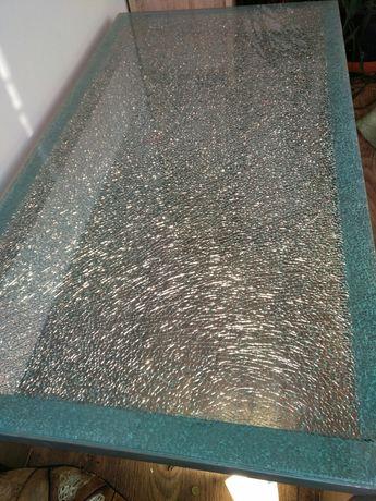 Ława szklana,tłuczone szkło.