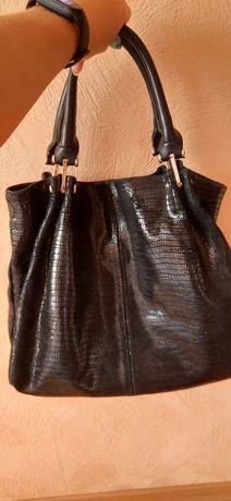 Продам сумку у відмінному стані