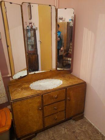 Toaletka z lat 70- tych