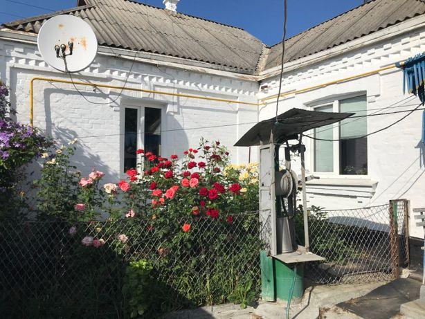 Продається будинок поряд з центром м.Звенигородка Черкаської обл