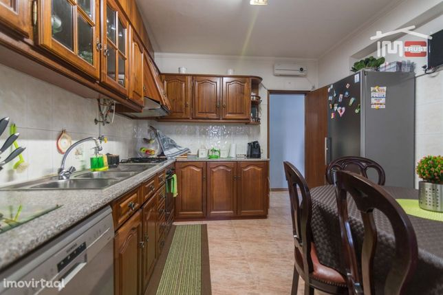 Apartamento T3 Mobilado Com Elevador Rotunda Sul Fatima