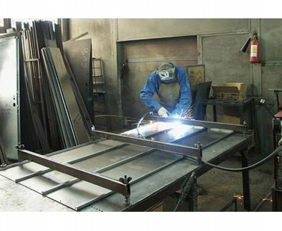 Сварочные работы по металу, услуги сварщика