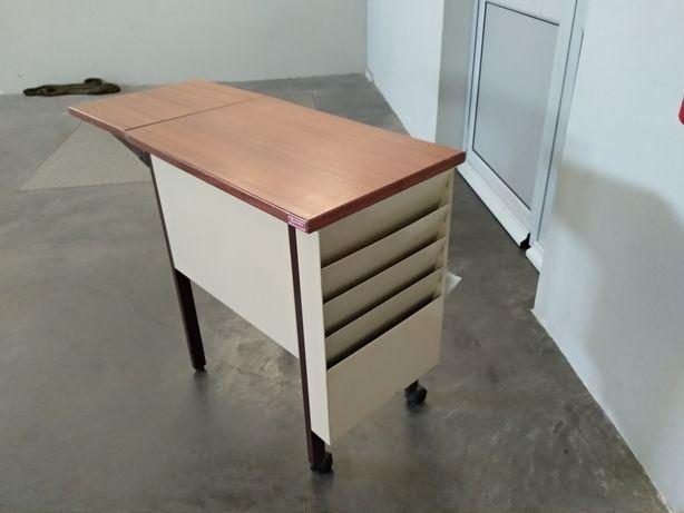 Mesa pequena de escritorio