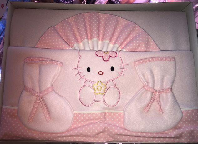 Vendo kit de cama de bebé Hello Kitty NOVO