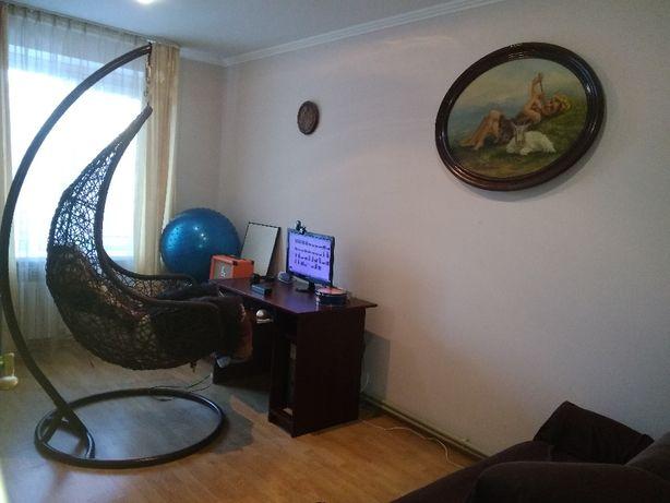 Продаю трикімнатну сонячну (двосторонню) квартиру в Трускавці