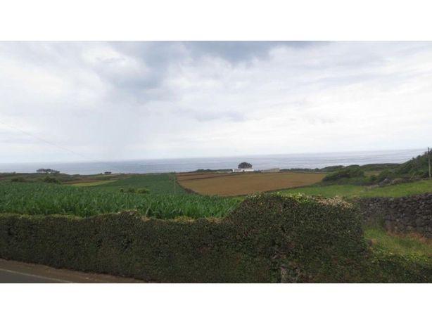 Moradia isolada bem localizada em Altares - Ilha Terceira
