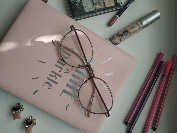 Имиджевые очки в отличном состоянии с прозрачными стёклами