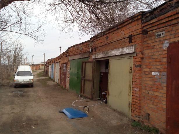 Продам гараж центр