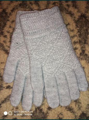 Перчатки тёплые.