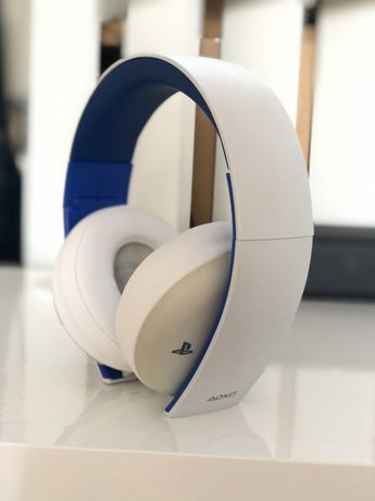 Gold Wireless Stereo Headset - PlayStation