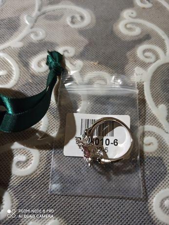 Продам кольцо срібне 925