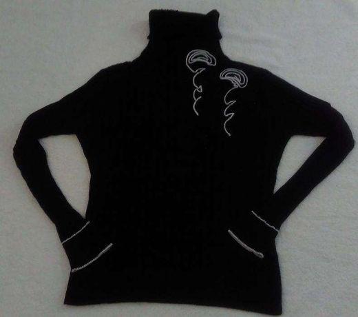 Golf sweter czarny z różą rozm 36