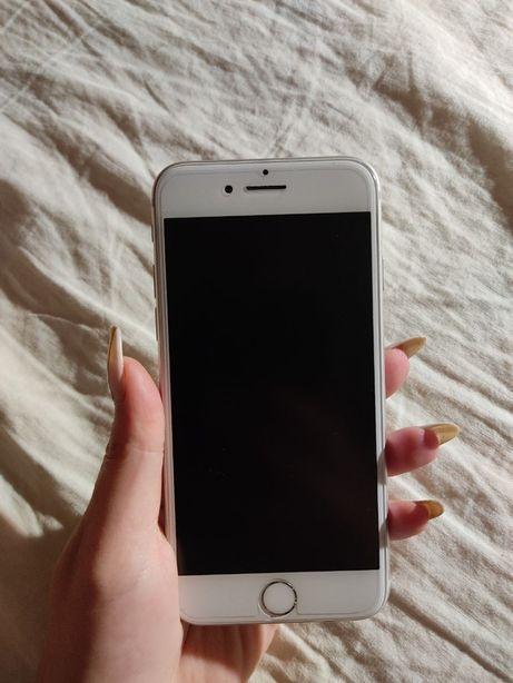 iphone 7 128 гб в идеале.