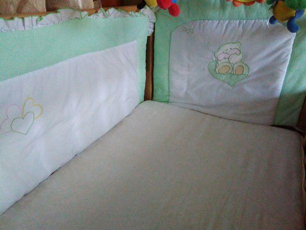 Захист на дитяче ліжечко + одіяльце + комплект постільний