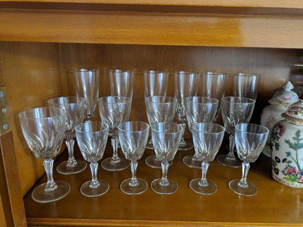 Conjunto de copos/taças