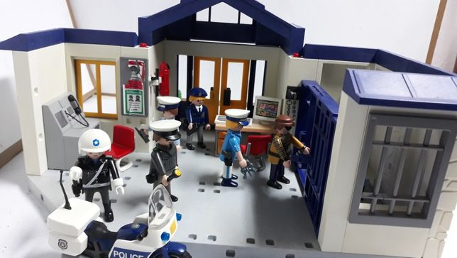 Playmobil posterunek policji