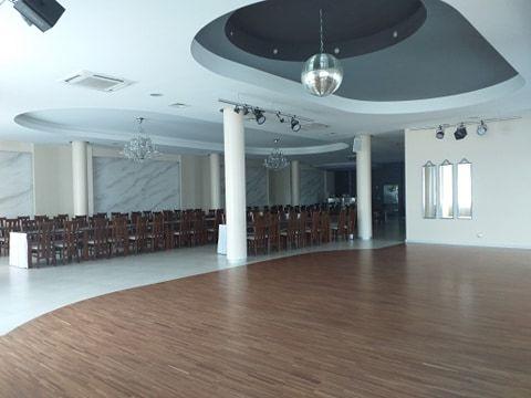 Atrakcyjne 530 m2 w centrum Andrespola