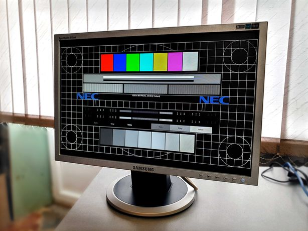"Samsung 940NW LCD LED монитор 19"""