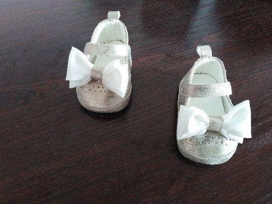 Buty niemowlęce