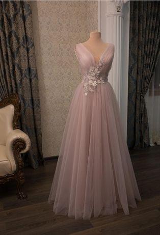Продам вечернее платье 5500рублей