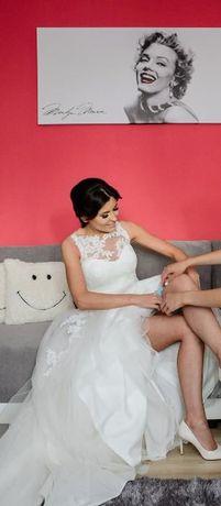 Zjawiskowa suknia ślubna hiszpańskiej marki PRONOVIAS