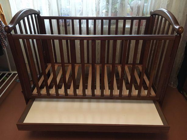 Продам итальянскую кроватку Pali