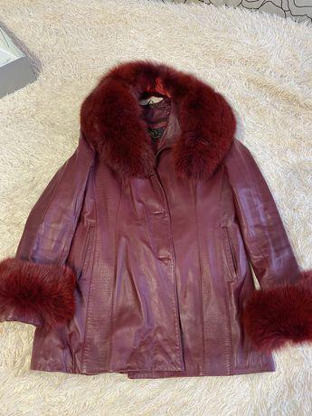 Курточка шкіряна з натуральним мехом з песця