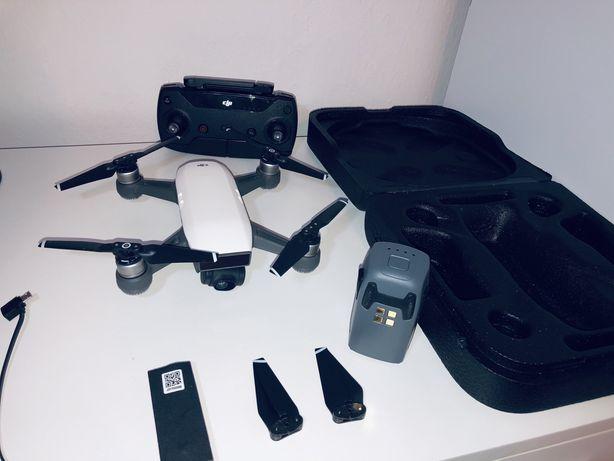 Dron Dji Spark dwie baterie idealny