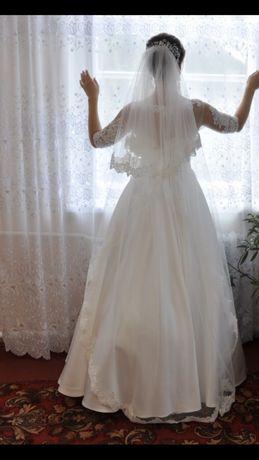 Свадебное платье! Атласное платье. Элегантно и со вкусом!