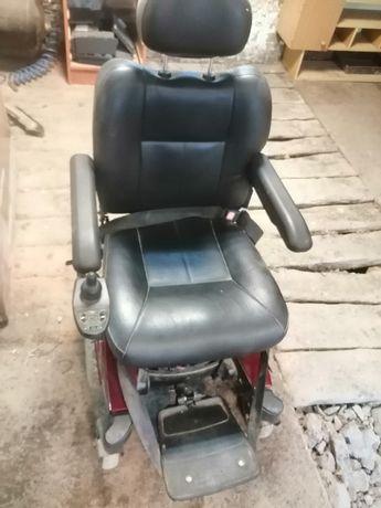 Wózek elektryczny inwalidzki pilnie