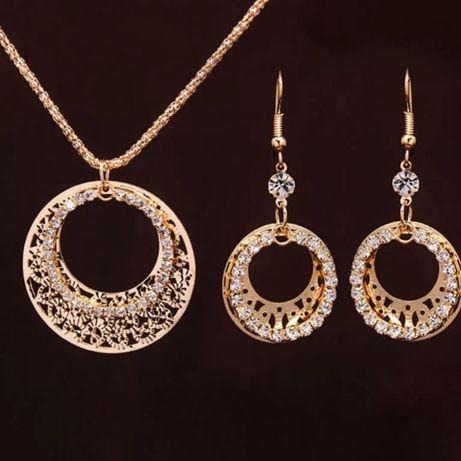 Zestaw biżuterii naszyjnik i kolczyki w kolorze złotym