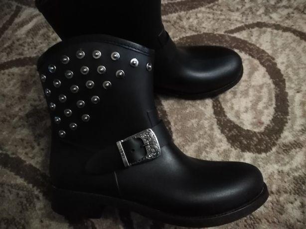 резиновые полусапожки ботинки