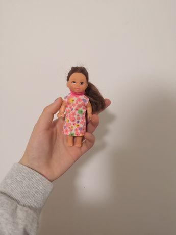 Маленькі ляльки Барбі