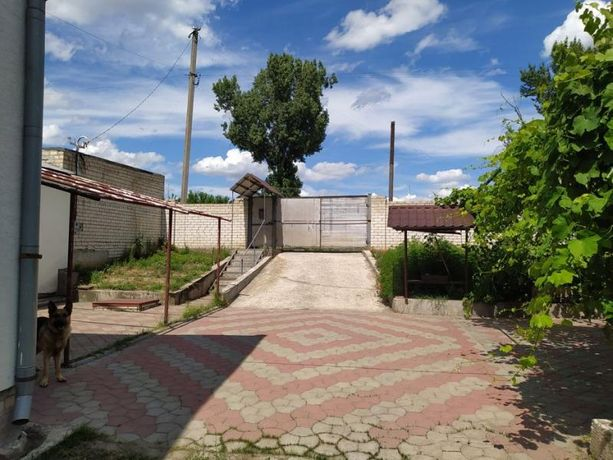 Продам шикарный дом в п.Солоницевка