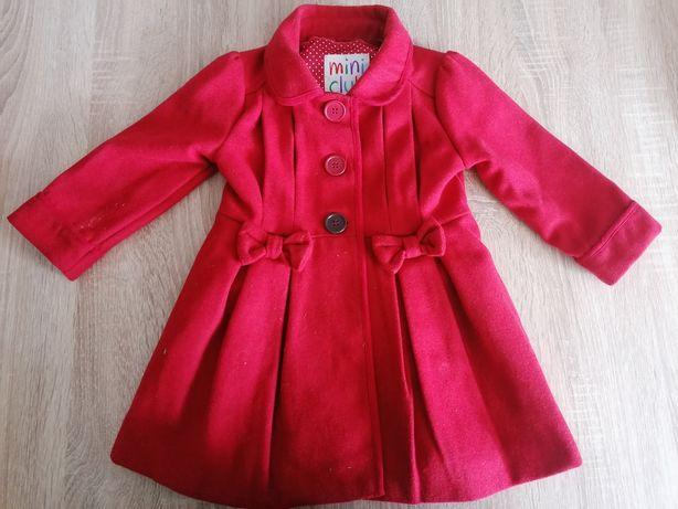 Śliczny czerwony płaszczyk mini club jesień