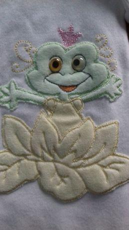 Дитячий комплект: комбінезончик та шапочка з жабками для малят