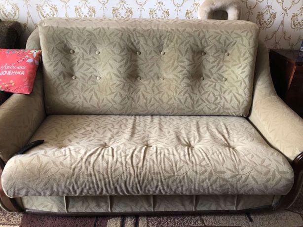 Продам 2-х спальный раскладной диван в хорошем состоянии!