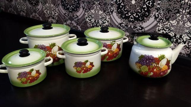 Набор эмалированный кастрюли чайник