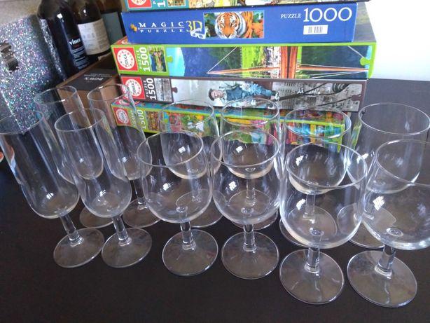 8 copos e 4 de champanhe