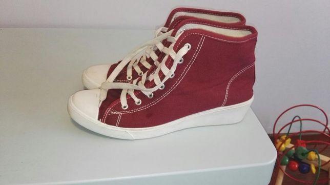 Sneakers trampki na koturnie 40
